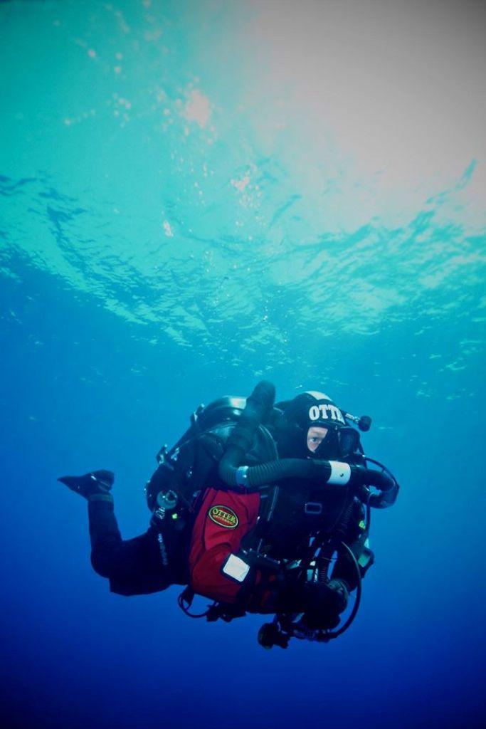 Diver_Sidemount2